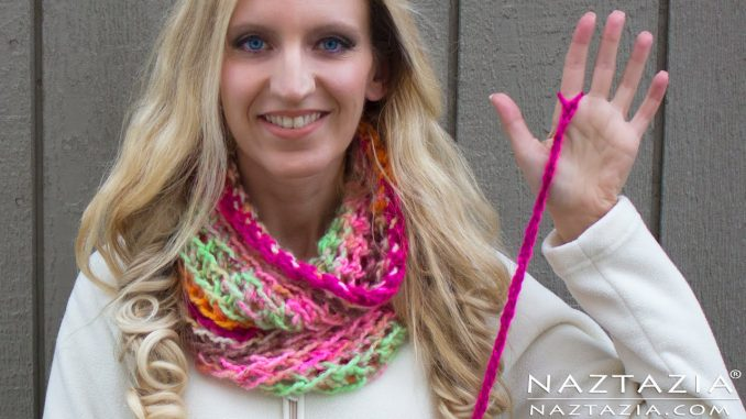 Finger Crochet a Simple Scarf with Right or Left Hand