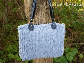 Loop Yarn Bag Made with Easy Finger Knitting Technique